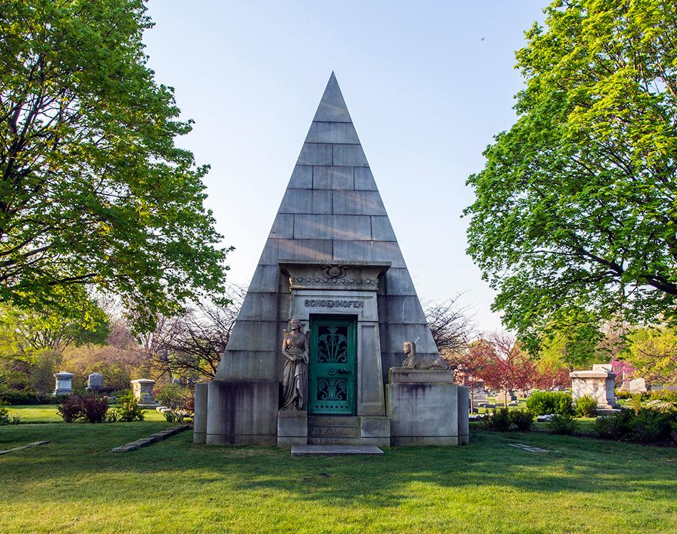 Chicago Architecture Tour Graceland Cemetery